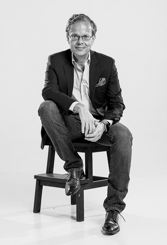 Paulo Morgado's biography