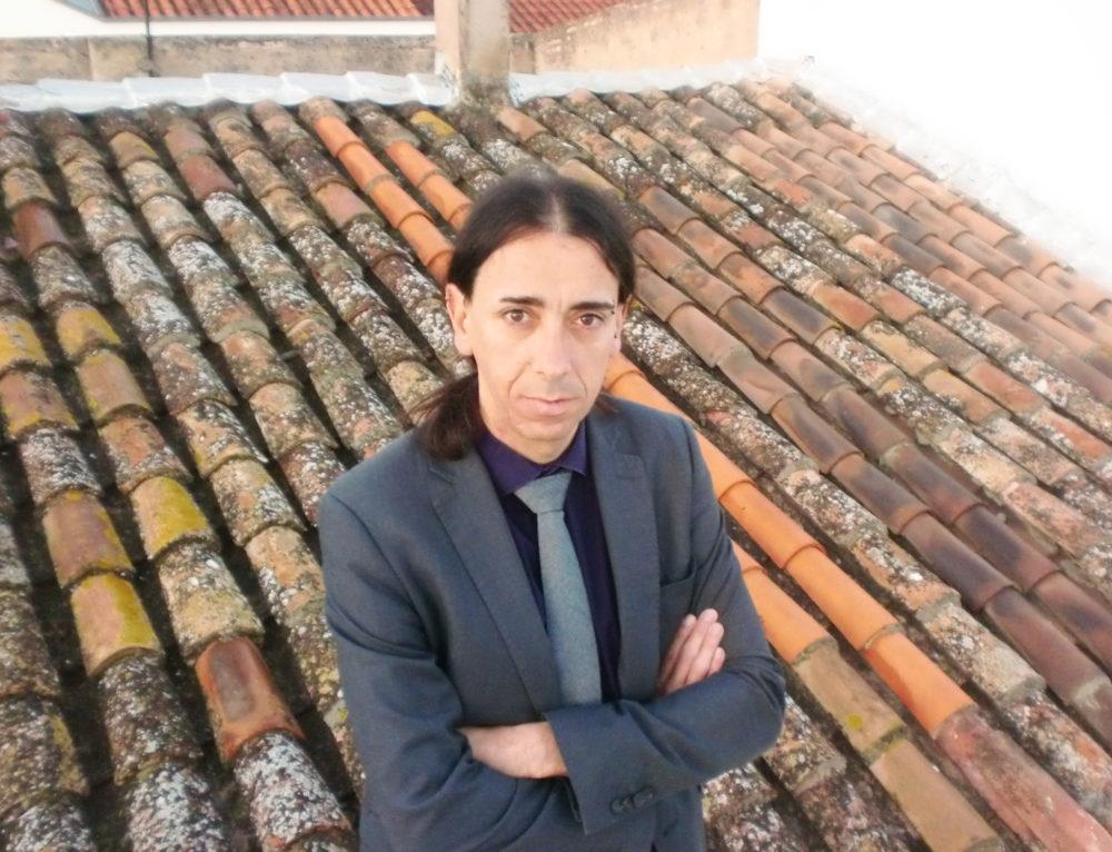 Guest Signature: Antonio González